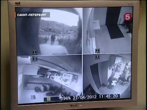 Курьёзное ограбление ломбарда -- камера наблюдения.