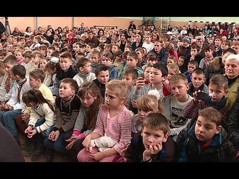 Akcja Mikołaj bez granic. Dary dla szkoły w Niżankowicach