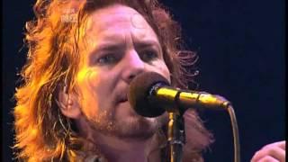 Pearl Jam - Dissident (Reading Festival, UK 2006)