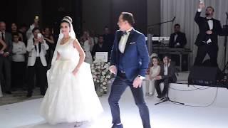 Fatma & Aytunç Bentürk Düğün kısa görüntüler  (Düğün Dansı)