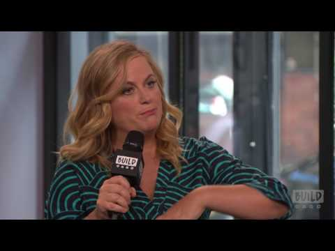 "Amy Poehler & Will Ferrell Stop By To Talk About ""The House"""