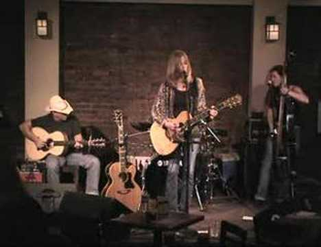 Diane Ward / Baby Look Up - '04 live at The Point,...