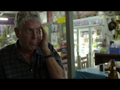 Drunken noodles with no noodles in Thailand? (Anthony Bourdain Parts Unknown)