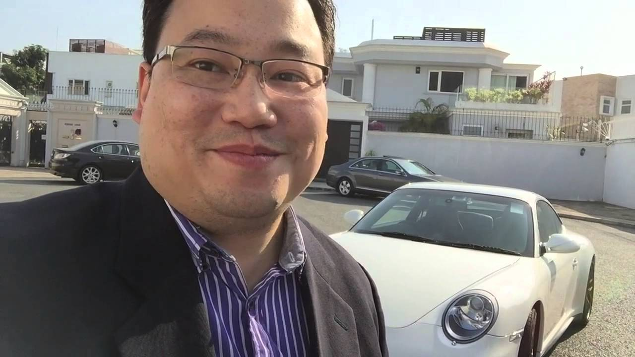 Want to buy a Porsche, see this first! [HK Eurocar] - YouTube