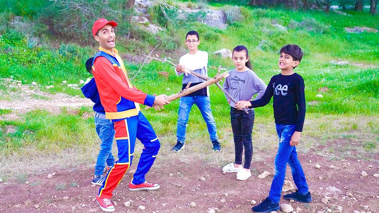 عمو صابر لعبة القفز- Amo Saber jumping on stick game