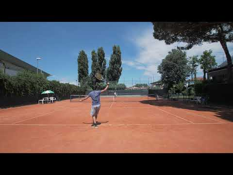 I've always been lazy on court, during this training session I paid extra attention to footwork, what do you guys think?