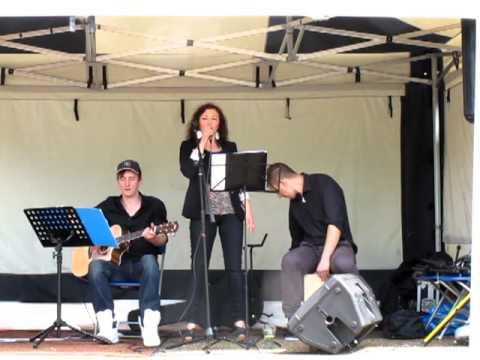 Paula Kiete Singing Valerie