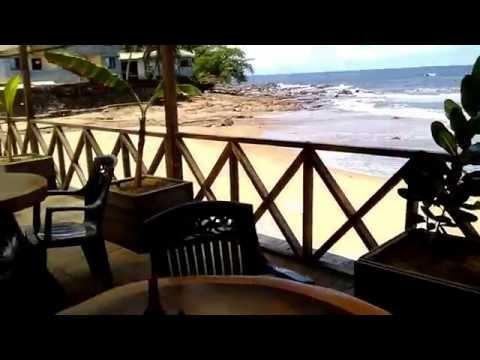 Kribi Le restaurant des Gites de kribi : Au Plaisir du Gout pieds dans l'eau