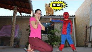 CADU FINGE BRINCA MISSÃO DE RESGATE COM SUPER HERÓI SPIDER MAN