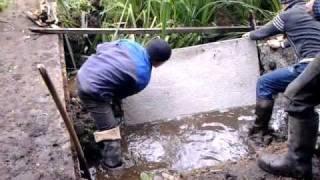 видео Укрепление берега водоема