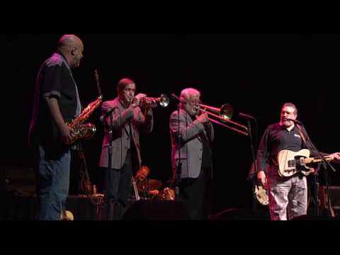"David Bromberg and his Big Band perform ""Sloppy Drunk"""
