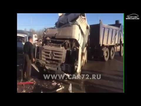 Грузовик въехал в кафе на трассе Тюмень – Ханты-Мансийск