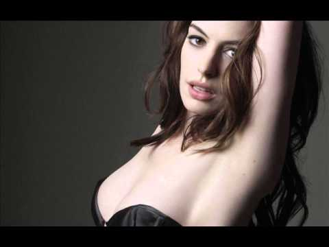 Anne Hathaway Hot boobs flash nipple slip thumbnail