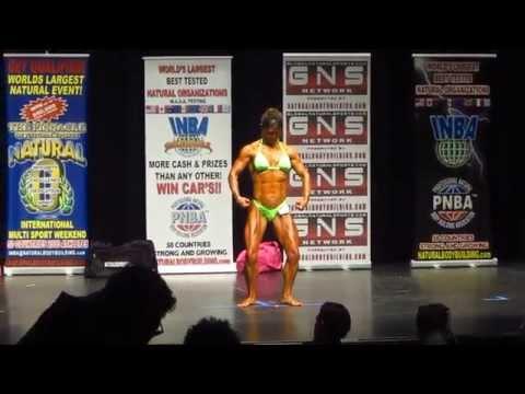 Female Bodybuilding Posing routine (Kim M.)