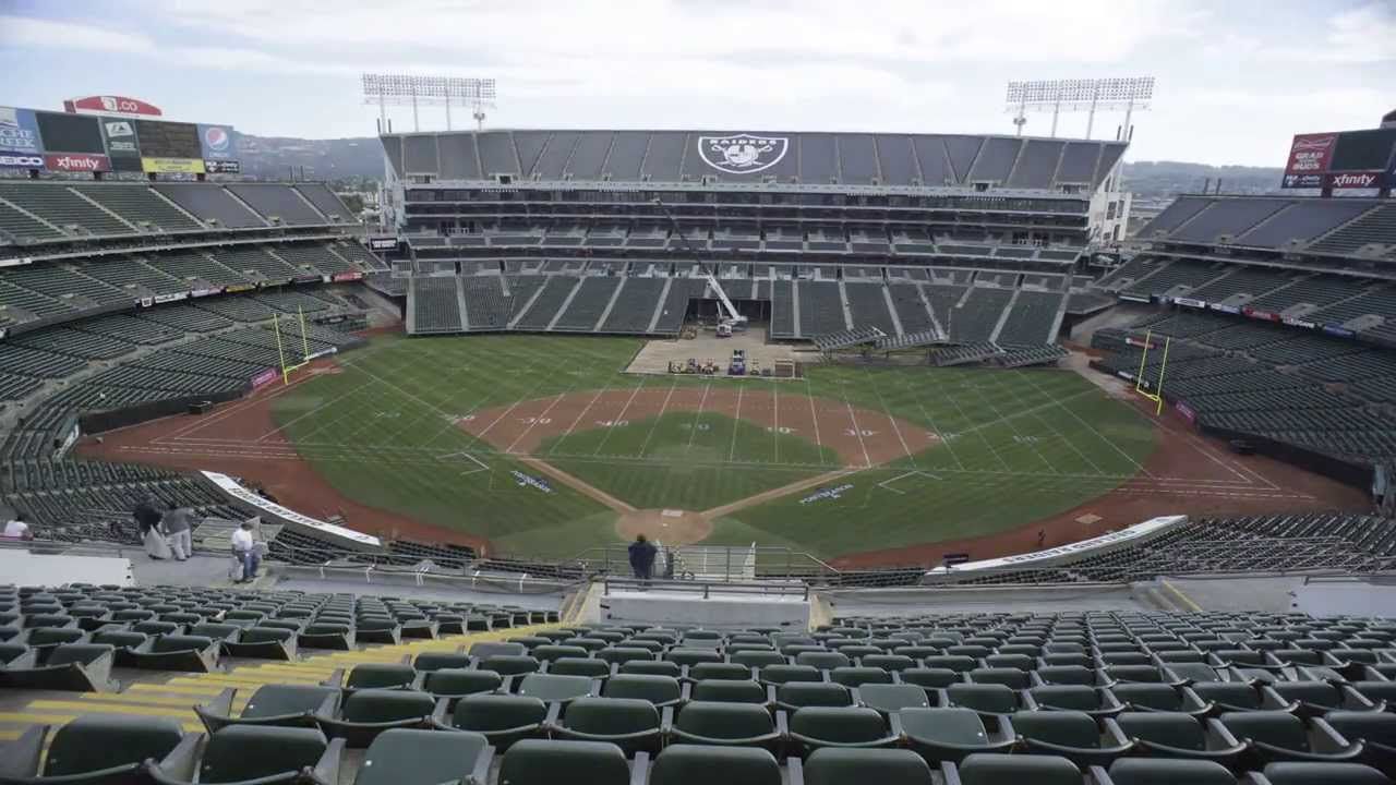 Photos: Last Oakland Raiders game played on dirt