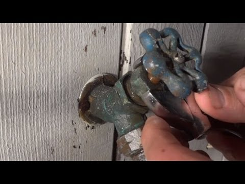 How To Repair Outdoor Faucet Leaking From Handle When Water Is ...