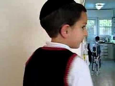 Moshe Dov on Erev Shabbos