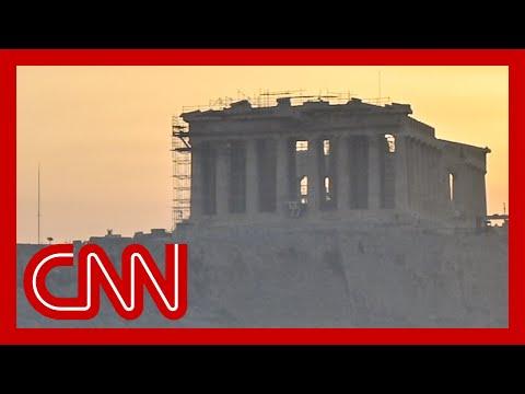 Fires threaten historic sites in Greece