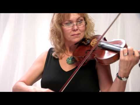 Bridal Wave, featured musician, Stephanie Quinn, interview and music