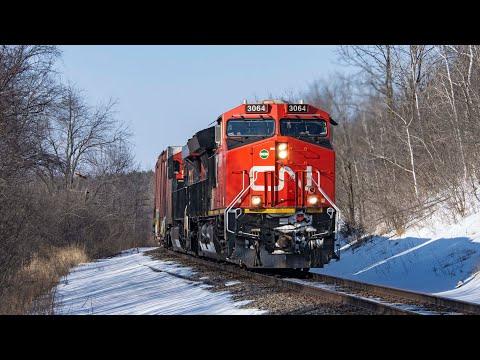 (4K) A Few Trains around Milwaukee, Wisconsin