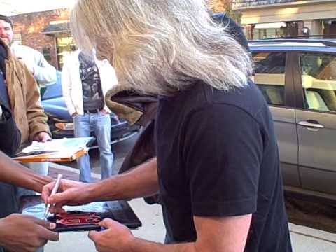 AC/DC Bassist Cliff Williams Signs Autographs In Birmingham On 11/5/08