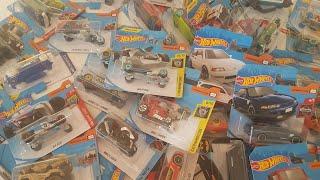 NEW Hot Wheels Cars Toys Playset 50 Cars + Dlan