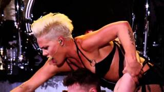 P!nk   Try Live Air Acrobatic Performance