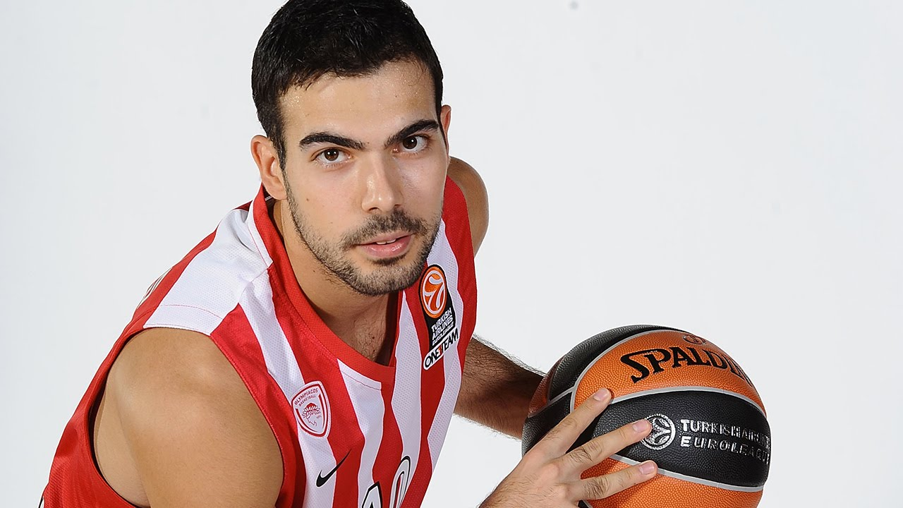 Assist of the Night: Kostas Sloukas, Olympiacos Piraeus - YouTube