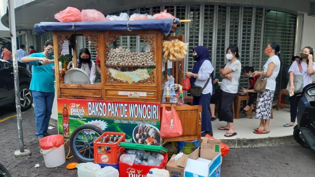 ANTRI !!! BAKSO TERKENAL DI PURI INDAH SEHARI  HABIS 40 KG DAGING SAPI - INDONESIAN STREET FOOD