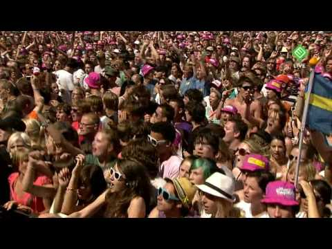 Mando Diao - Dance With Somebody (Live @ Pinkpop 2009)
