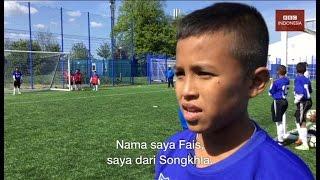Download Video 'Pahlawan-pahlawan kecil dari Thailand Selatan' latihan di klub bola Leicester City MP3 3GP MP4