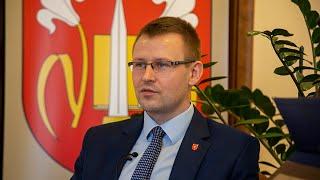 Bartosz Podolak, wójt gminy Rzekuń o pozyskaniu gruntów i budowie parkingów