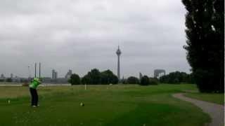 デュッセルドルフでゴルフをするゾ!