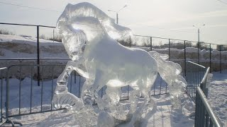 Скульптуры из льда.