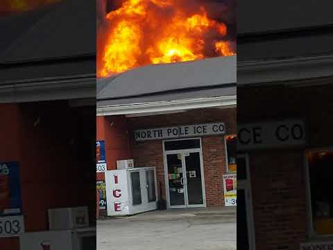 WATCHING A BUILDING FIRE CLARKSBURG WV North Pole Ice CO.