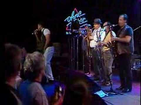 Tower Of Power In Concert 1 - YouTube