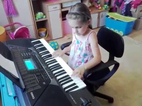 3 - Barka Klaudia 6 Lat gra na keyboardzie Casio - uczymy się grać