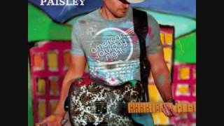 Watch Brad Paisley Everybodys Here video