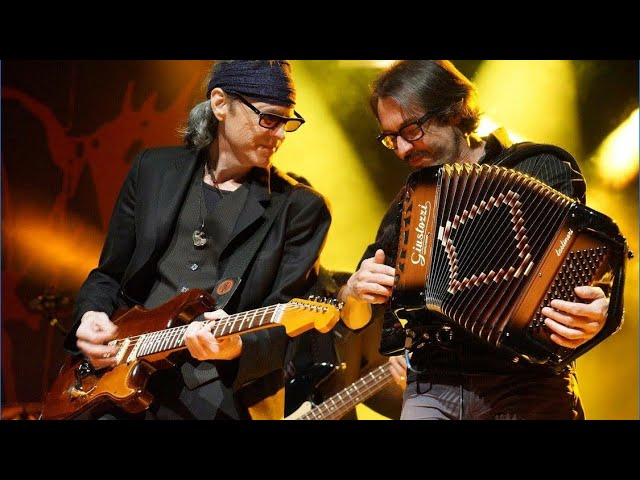 BoDeans Closer to free Live