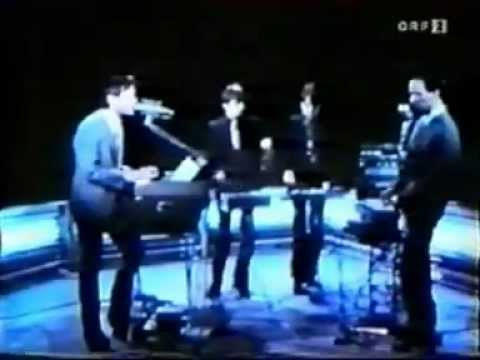 Kraftwerk - Antenna 1975