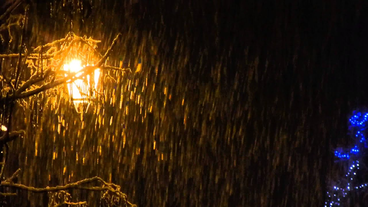 NEIGE QUI TOMBE DANS LA NUIT SNOW NIGHT NOEL HIVER CHRISTMAS - YouTube