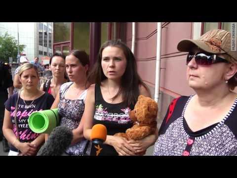 """Это """"победа"""": Полиция защитила """"Единую Россию"""" от многодетных матерей"""