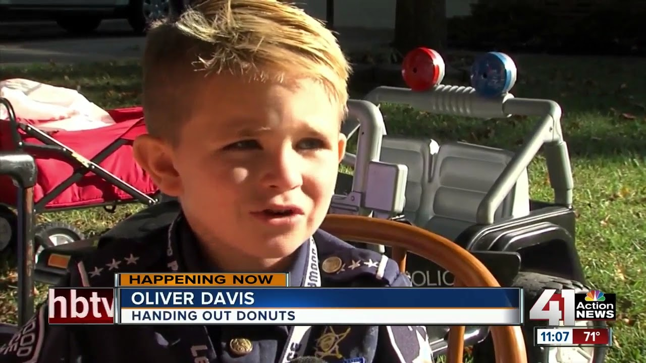Kids give donuts, lemonade to police in Johnson County