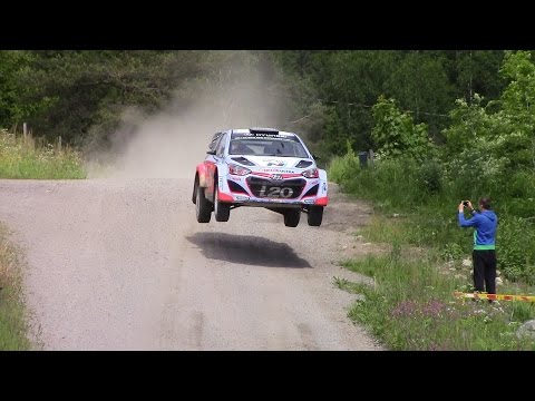 Rally Finland Tests 2015: Hyundai I20 WRC JUMPSHOW