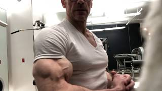 Best Biceps, Ridiculous Arms Flexing, Biceps and Bodybuilding Advice with Victor Costa Vicsnatural