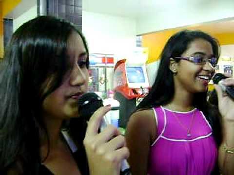 Amábily & Samara no Karaoke