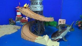 핑크퐁 아기상어 가족 빙글빙글 미끄럼틀 장난감 놀이 P…