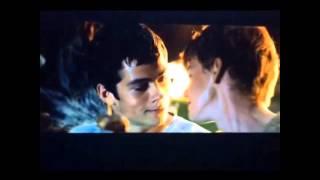 Dylan o'Brien and Thomas Sangster kiss.
