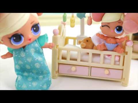 LOL Surprise Dolls + Lil Sisters Brush Teeth for School Morning