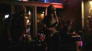 The Hottman Sisters - Teleprompter King, Live at Burke's Pub, Omaha, NE (9/4/2015)